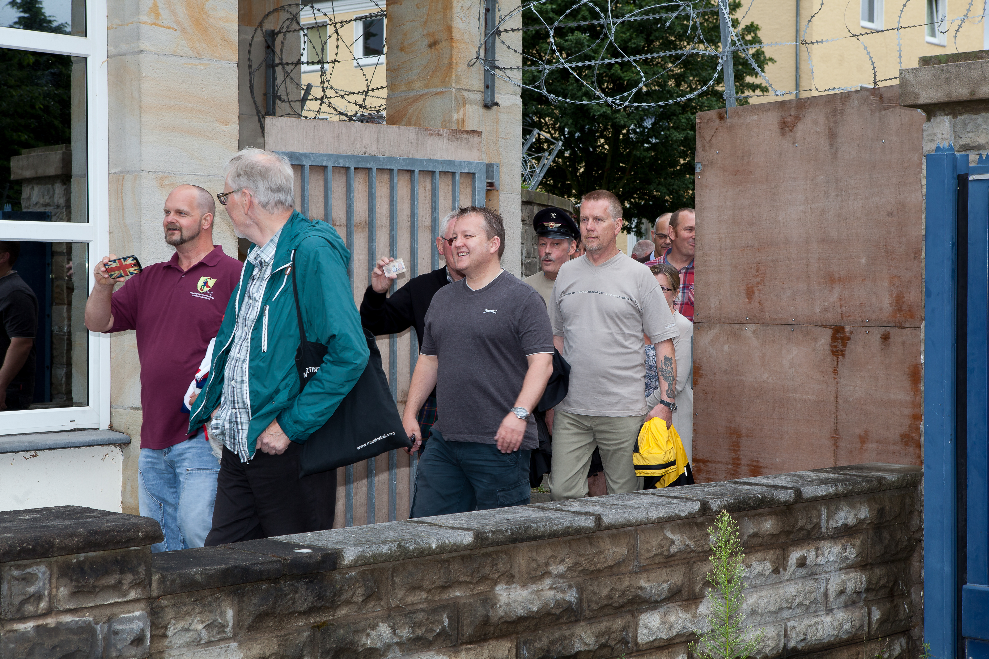 2015_1st_Reunion_after_closing_the_Gates_small_-4064