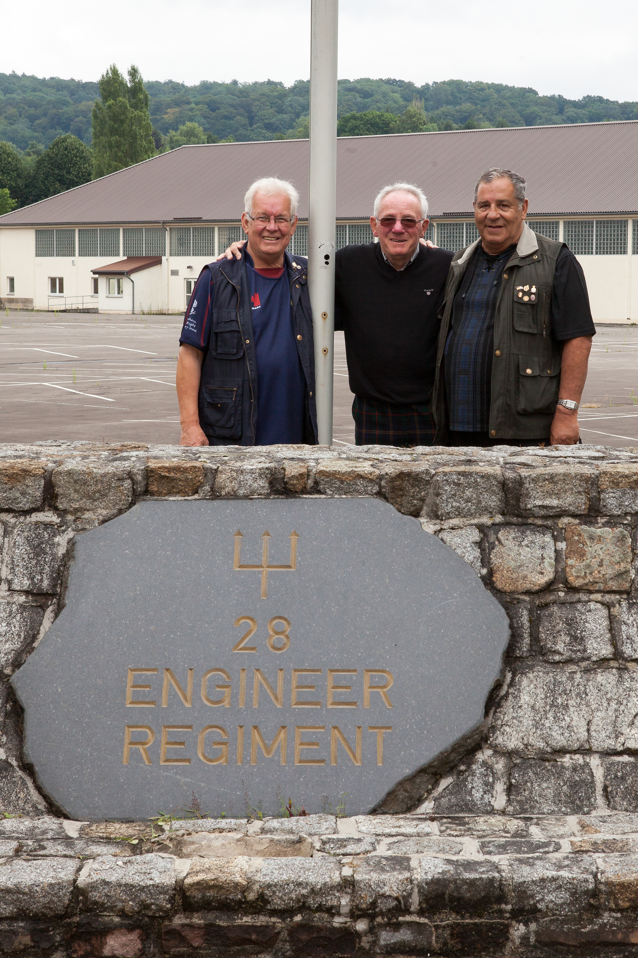 2015_1st_Reunion_after_closing_the_Gates_small_-4198