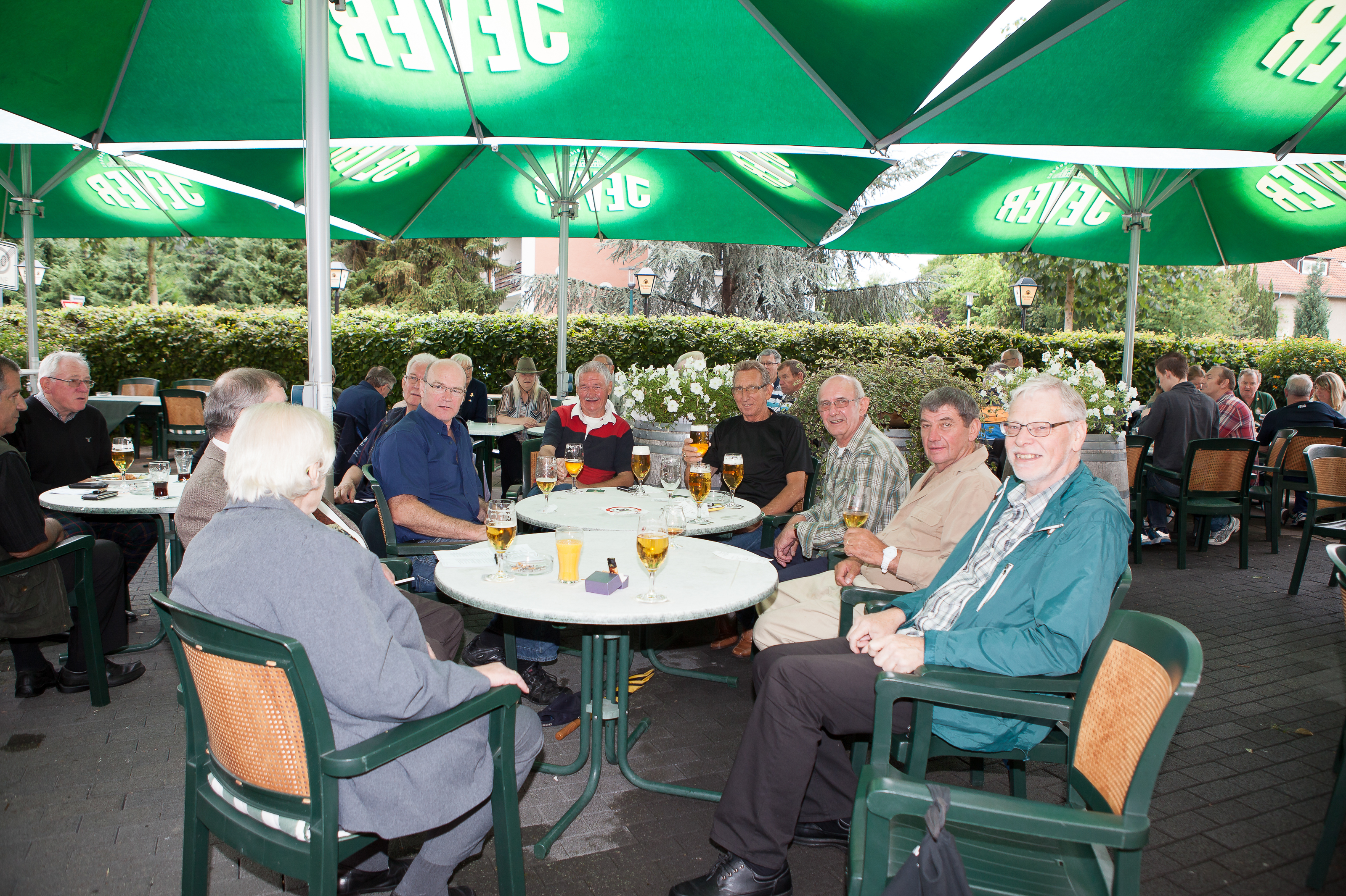 2015_1st_Reunion_after_closing_the_Gates_small_-4260