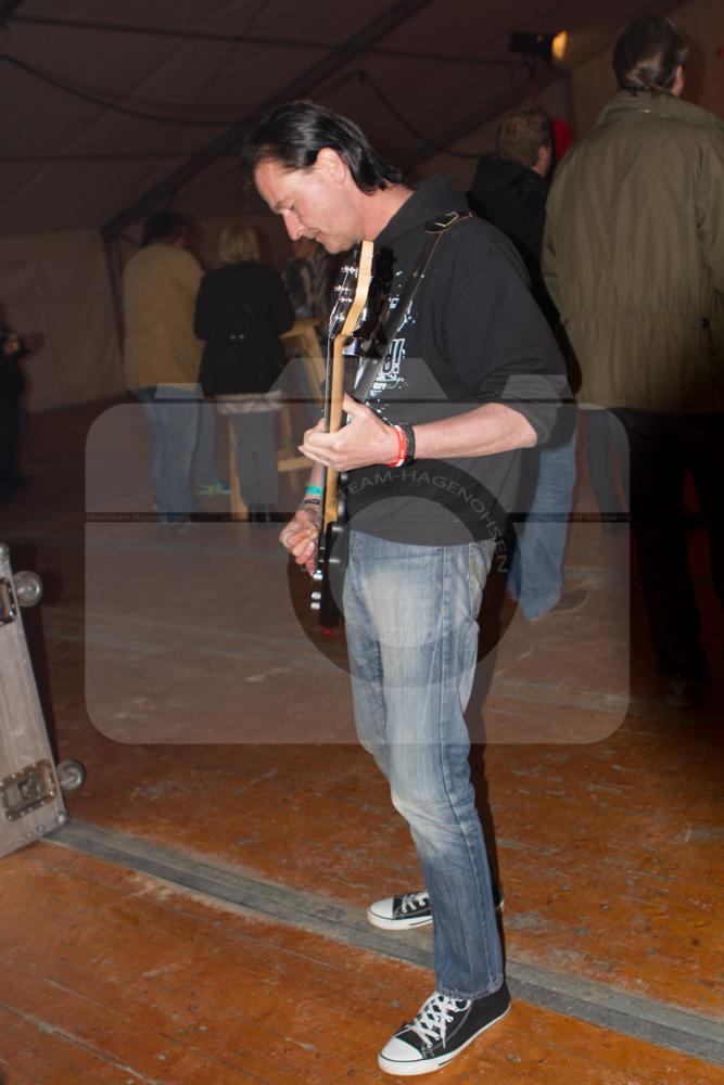 Talkin Wire beim Tanz in den Mai in Heyen