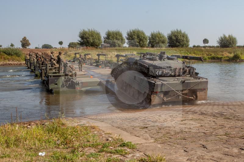 Panzerpionierbataillon 130 Minden - Kampf über ein Gewässer 2016