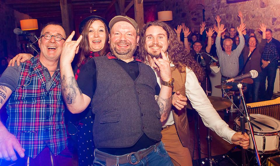 Irish Night – 5 years on the road! Anniversary Tour – TONE FISH im Hofcafé Flegessen
