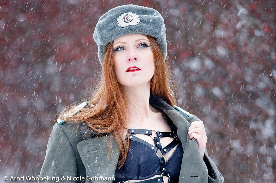 COLD-WAR-SNOWQUEEN