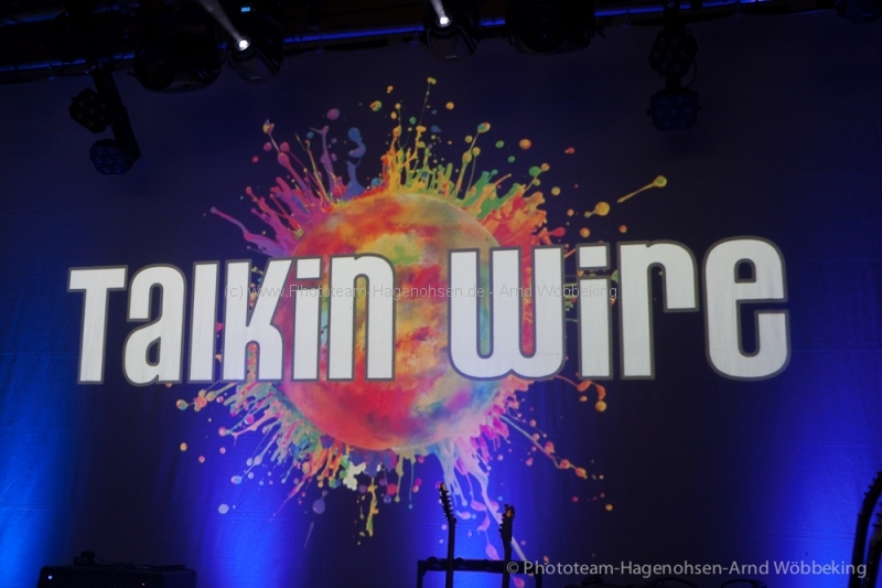 NEW YEARS ROCK – Hajen – Talkin Wire